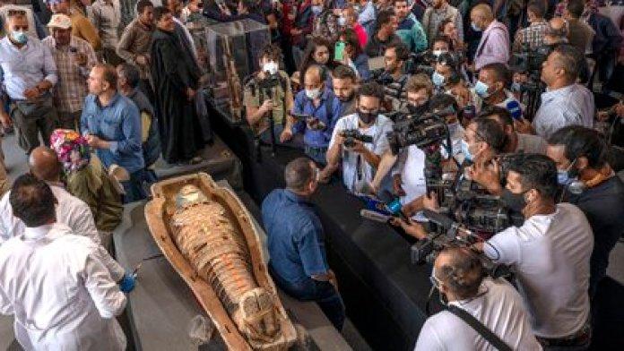 Fueron descubiertos en la necrópolis de Saqqara, al sur de El Cairo (AP/Nariman El-Mofty)