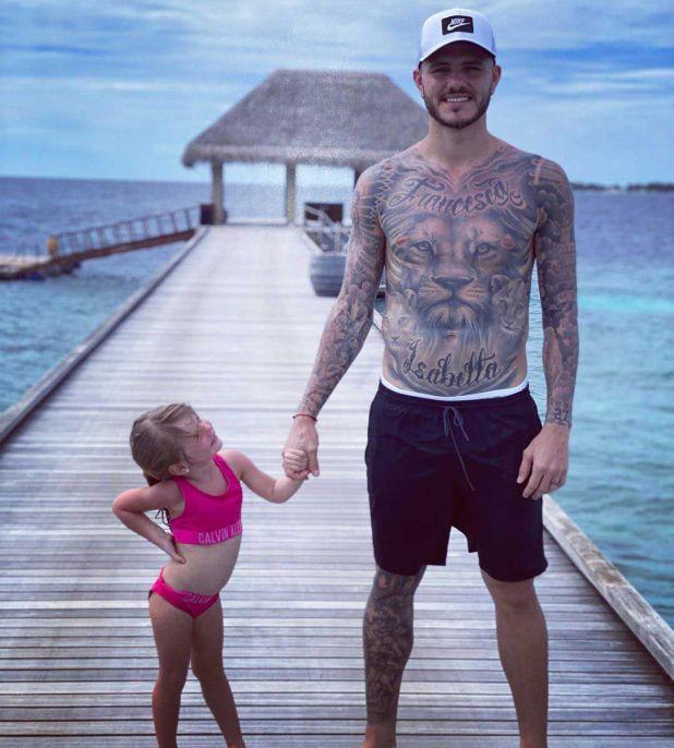 Mauro Icardi viajó con su familia a las Islas Maldivas