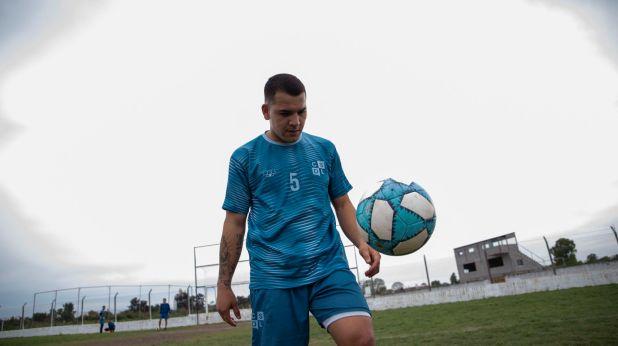 Marcelo Araujo se inició en Deportivo Merlo, debutó en Liniers, y también jugó en Ituzaingó y Atlético Lugano (Lihue Althabe)