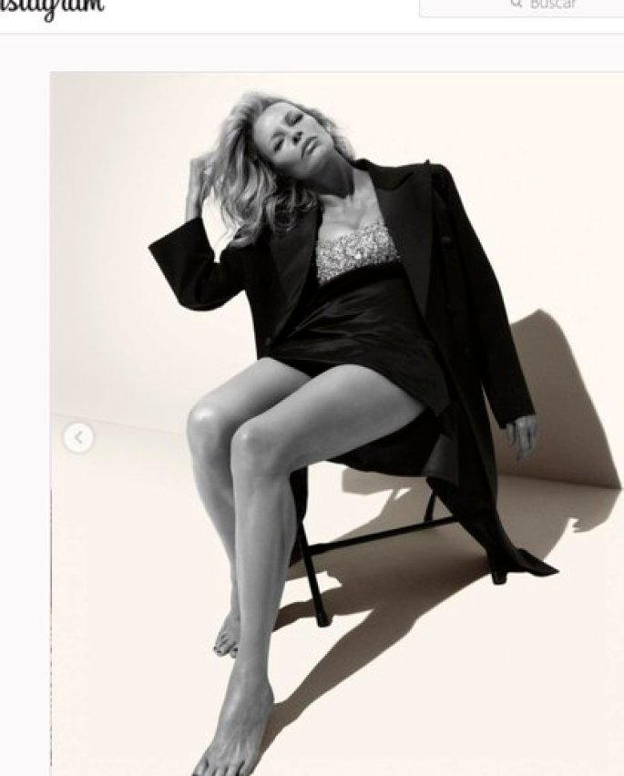 """En 2020, volvió a posar como modelo para la exclusiva marca italiana """"Miu Miu"""""""