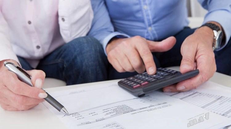 Más trabajadores podrían ser alcanzados por el impuesto al cobrar el bono