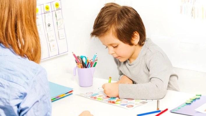 Muchas veces se sugiere el diagnóstico de autismo sobre la base de un sencillo test de preguntas y respuestas (Shutterstock)