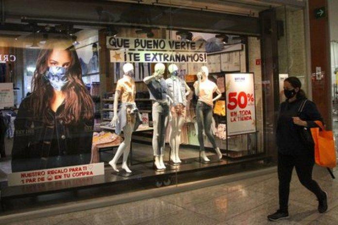 Centros comerciales permanecerán abiertos durante la próxima semana (Foto: Cuartoscuro)