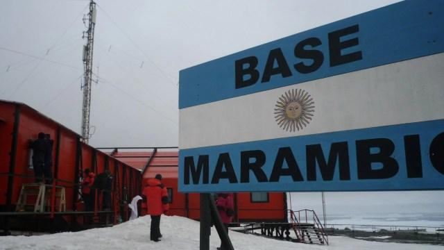 En las seis bases antárticas hubo 162 votos válidos emitidos, 154 afirmativos y 8 en blanco, que se completaron con 3 nulos