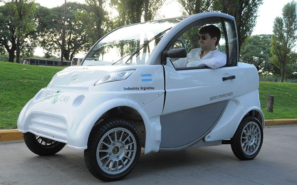 El Sero Electric Sedán está pensado como un vehículo de traslado dentro de una ciudad (Prensa Sero Electric)