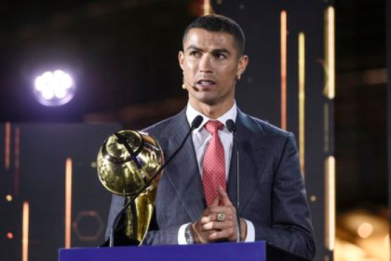 Cristiano ganó el premio al jugador del siglo en Dubái (Reuters)