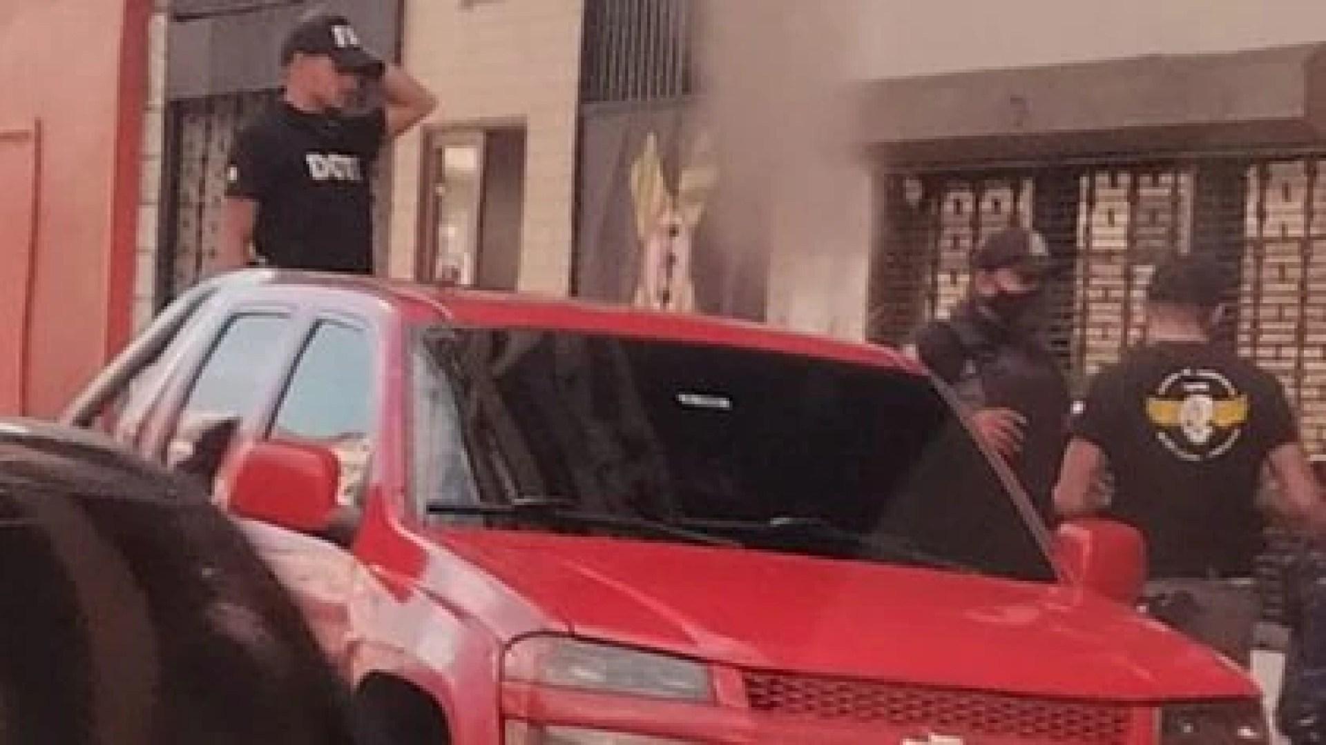 Uniformados en las camionetas sin placas que usan los cuerpos policiales y la guerrilla en Táchira