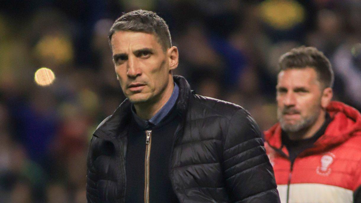 En la Superliga, El Globo ganó solo un partido con Vojvoda como DT