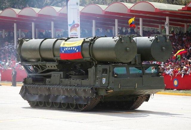 El sistema S-300VM que Venezuela recibió en 2013 y habría puesto en funciones este año