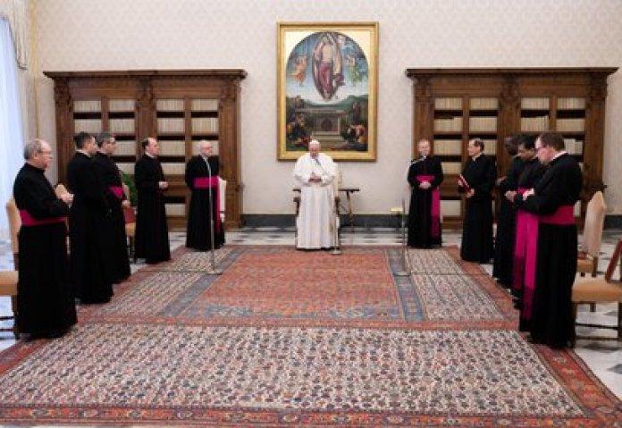 El papa Francisco en una audiencia en el Palacio Apostólico, Vaticano.  Vatican Media/?Handout via REUTERS