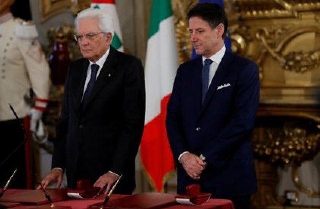 El presidente italiano Sergio Mattarella y el primer ministro Giuseppe Conte (REUTERS/Remo Casilli/archivo)