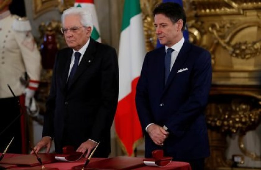 The Italian president Sergio Mattarella and Giuseppe Conte (REUTERS / Remo Casilli / archivo)