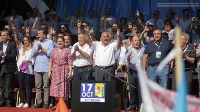El peronismo federal y la cúpula de la CGT durante el último acto en Tucumán (Walter Monteros)