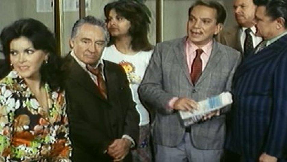 """Con el popular artista Cantinflas protagonizó """"El ministro y yo"""" (Foto: Captura)"""