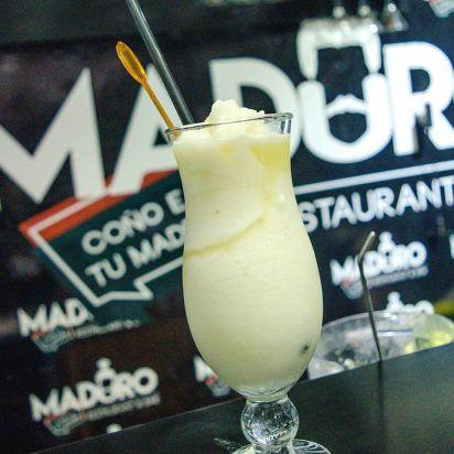 Cócteles, tragos, arepas, empanadas y otras delicias de la gastronomía venezolana se vendían en el local