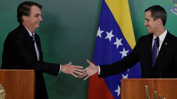 A principio de año Bolsonaro recibió a Guaidó en Brasilia (Reuters)