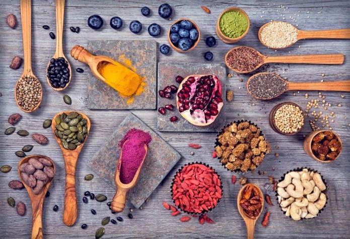 Utilizar al menos una vez por semana un puñado de frutas secas sin salar o semillas sin salar