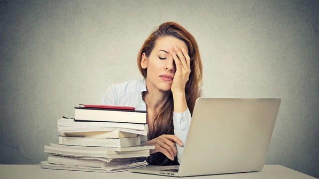 Algunos síntomas de ambos son la falta de concentración y el insomnio (iStock)