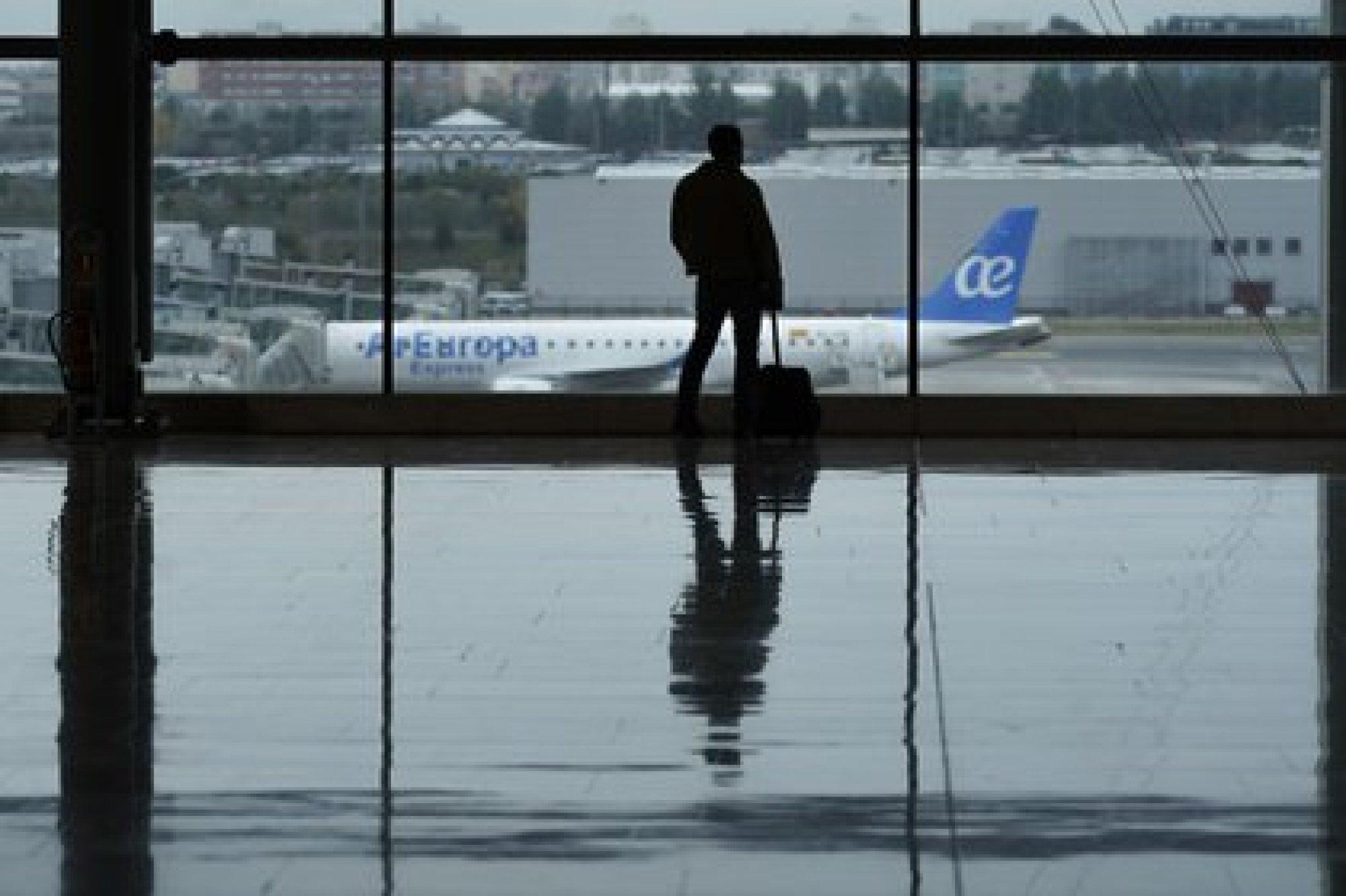 Los pasajeros no necesariamente tienen que experimentar dificultad para respirar antes del despegue para tener problemas para respirar durante el vuelo (Bloomberg)