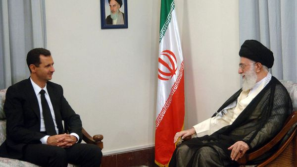 El sirio Bashar Al Assah y el iraní Ali Khamenei (Reuters)