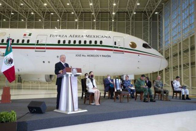 El presidente mexicano Andrés Manuel López Obrador está buscando deshacerse del moderno y costoso avión presidencial, un Boeing 787 Dreamliner (Foto: Cortesía Presidencia)