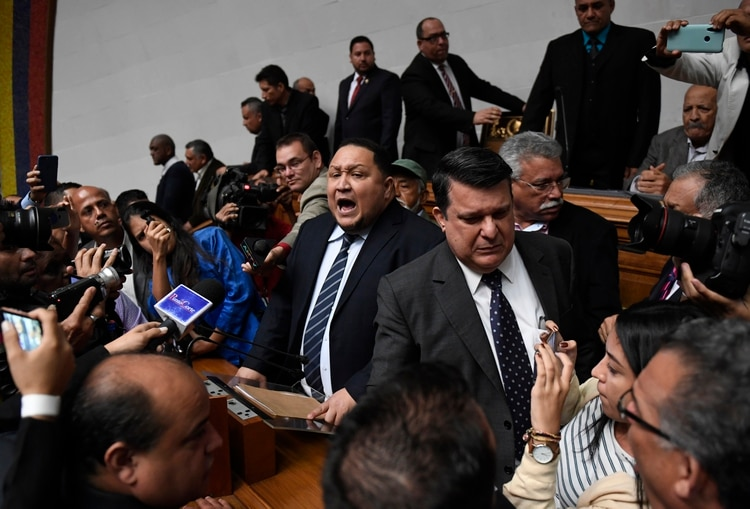 José Brito, durante la accidentada jura chavista (AFP)