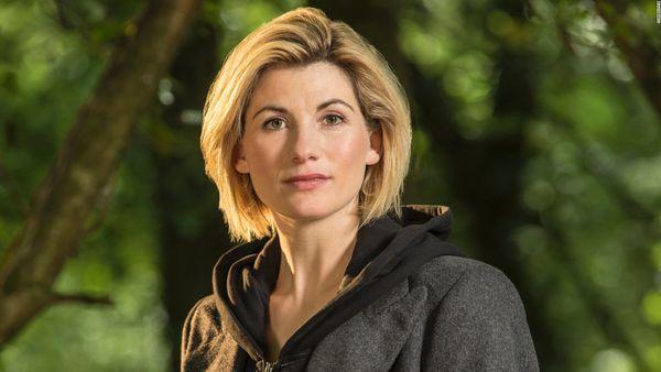 Jodie Whittaker se convirtió enla doctora número 13.