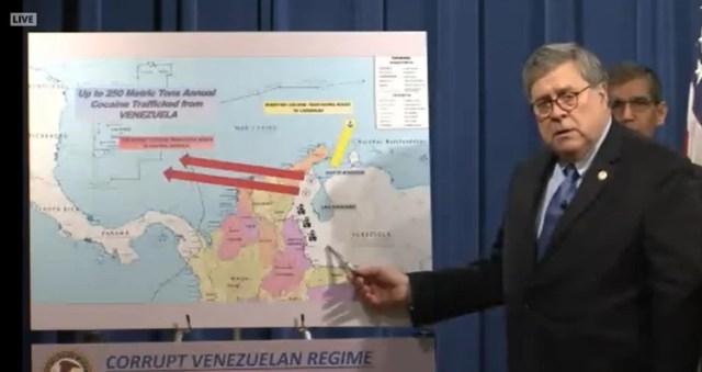 El fiscal general, William Barr, y un mapa sobre el narcotráfico