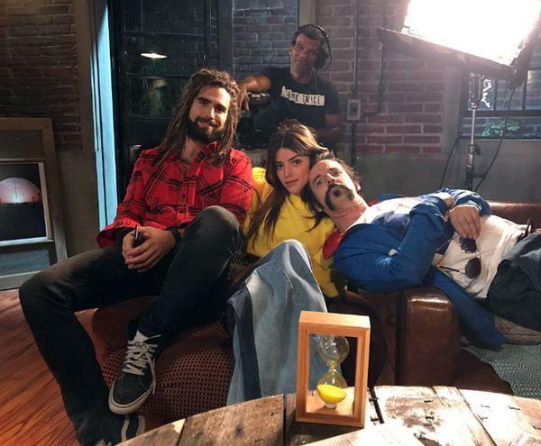 """Calu Rivero junto con Nico Furtado y Mex Urtizberea, durante la grabación de """"Fanny, la fan"""""""