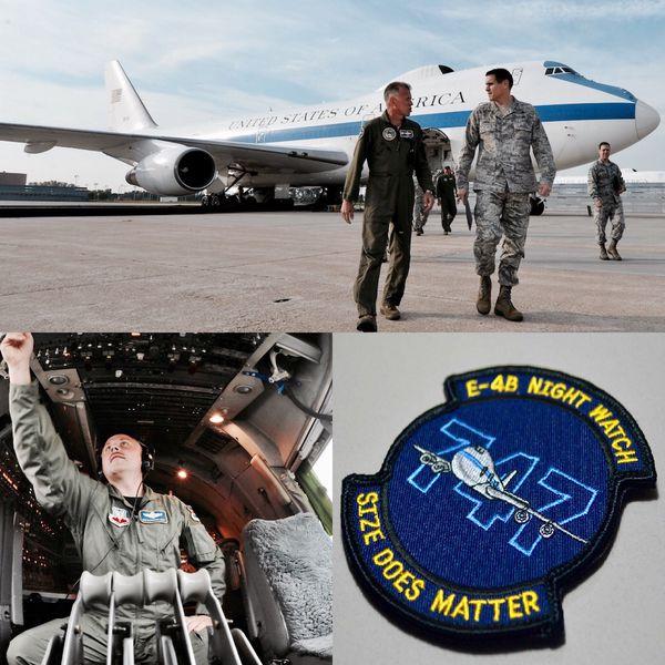 Los E-4B se encuentran entre las aeronaves más singulares de la Fuerza Aérea y fueron concebidos como verdaderos centros de comando militar en el aire