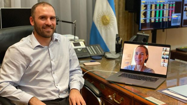 ministro Guzmán con Jennifer O'Neil  de BlackRock