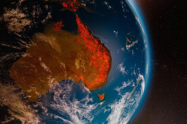 """Imagen satelital de los incendios en Australia, en enero pasado, que dieron sentido de """"urgencia"""" a las metas climáticas (Shutterstock)"""