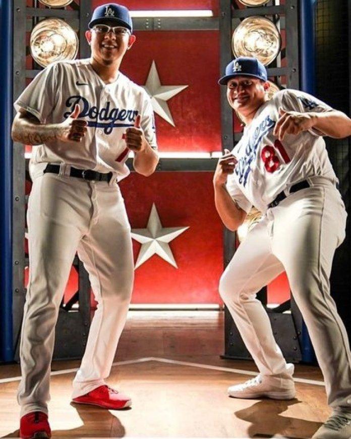 Julio Urías y Víctor González forman parte del roster de los Dodgers que buscará sumar terminar con un sequía de 32 años sin ganar un título. Ambos firmaron con el equipo en el 2012 (Foto: Twitter@LosDodgers)