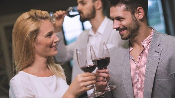 La palabra swinger hace referencia a aquellas personas con un estilo de vida que implica el intercambio de parejas. (Foto: IStock)