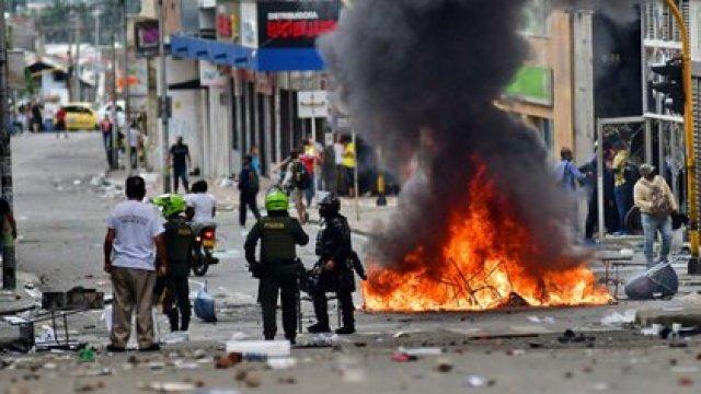CALI. 28 de abril de 2021. Estas son las imágenes que dejó la jornada de protestas en la ciudad de Cali, en el marco del Paro Nacional convocado en contra de la Reforma Tributaria. (Colprensa-El País)