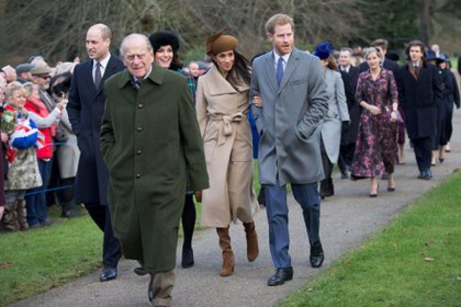 Los duques de Sussex y Cambridge junto al duque de Edimburgo (Shutterstock)