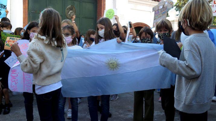 Protestas en Olivos - Clases presenciales - AMBA COVID-19
