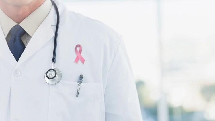 Los especialistas aseguran que tienen ensayos para todas las etapas del cáncer, incluso en pacientes en etapa 4 están viendo resultados positivos (Shutterstock)