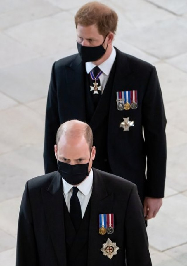 Los príncipes William y Harry (Reuters)