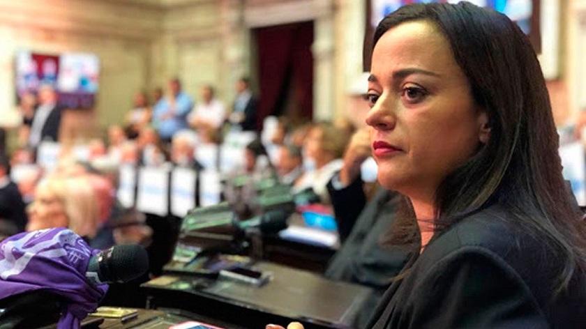 Cecilia Moreau - EsTuRadio.Net - Donde está tu Radio