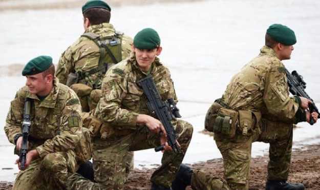 pasukan khusus inggris SBS (Special Boat Service)