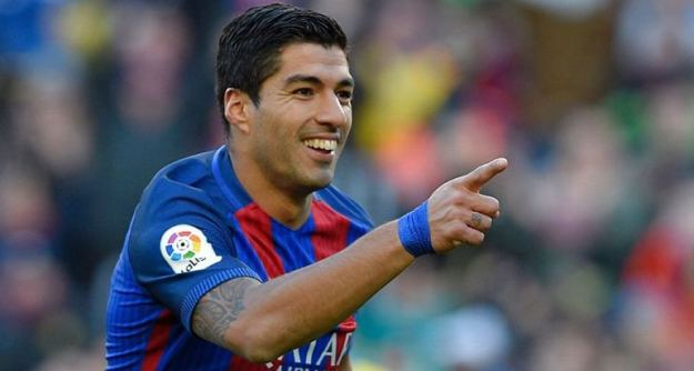 luis suarez mantan striker liverpool yang mengkilap di fc barcelona