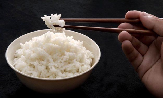 makan nasi adalah cara menghilangkan rasa pedas pada mulut