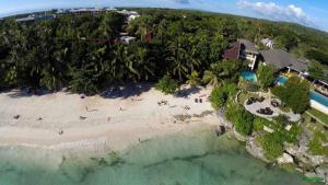 Alona Beach Tawala Bohol Philippines 005