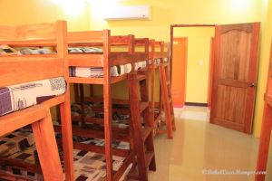 Backpacker Rooms Coco Mangos Place Bohol 053