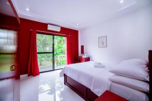 The Bohol White House Bed And Breakfast, Lila, Philippines! 003