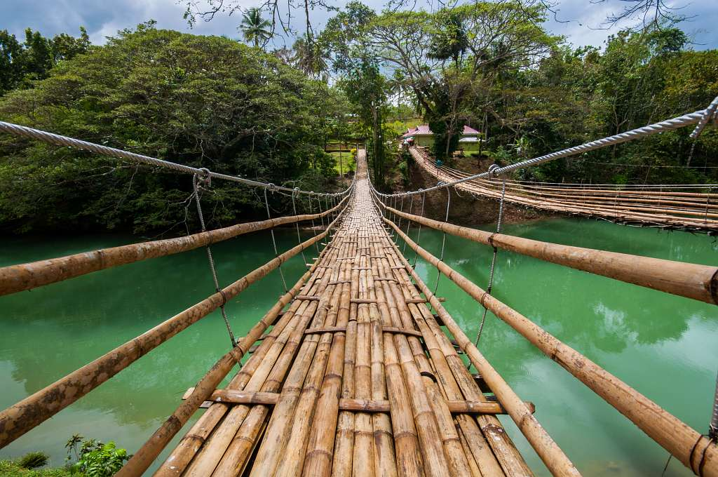 Crossing The Breathtaking Tigbao Hanging Bridge Bohol Philippines 0002