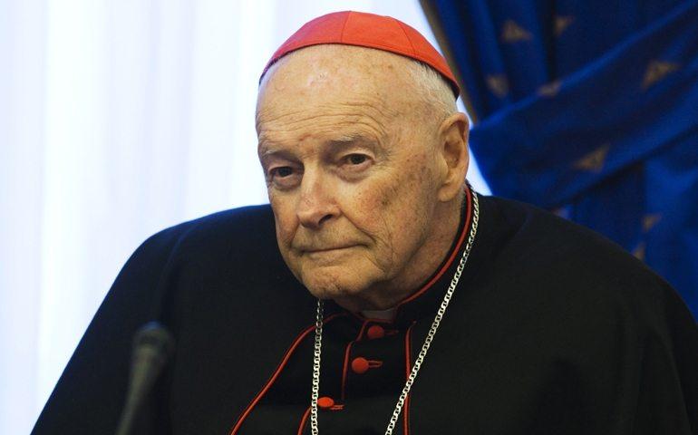 El Papa Francisco suspende del ministerio al cardenal McCarrick, de 88 años, por acusaciones «creíbles» de abuso