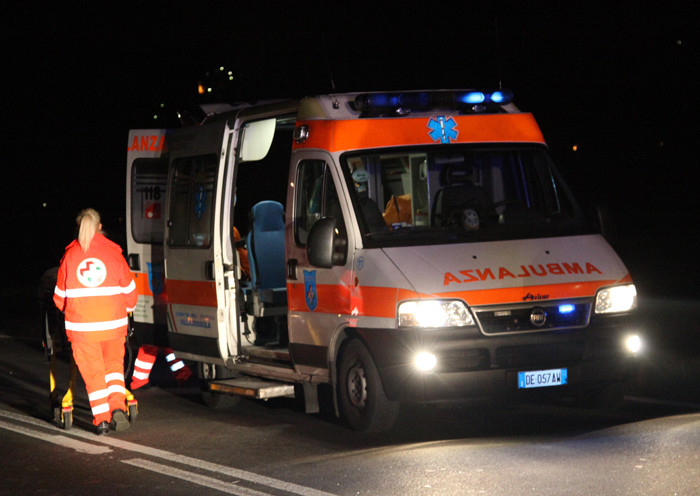 Incidente in litoranea, ciclisti investiti. Brutto incidente anche per un 23enne