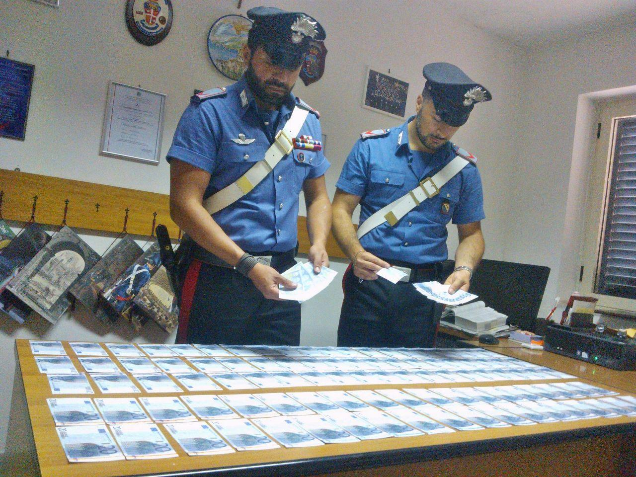 In giro con banconote false, arrestato 24enne